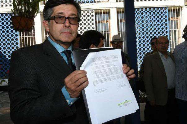 Dr. Cesar Montufar
