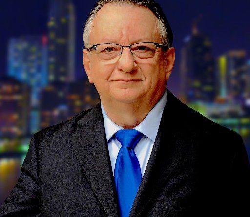 Emilio Palacio Ex-Director del diario El Universo